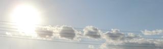 電線に雲の音符