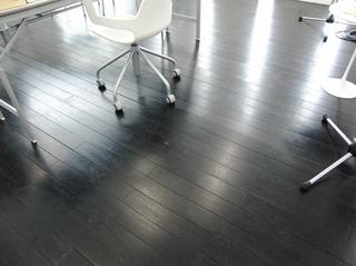 綺麗な床です〜